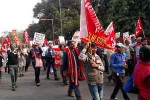 बाबरी मस्जिद ध्वंस की 25वीं बरसी पर वाम दलों का मार्च