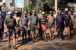 16 अप्रैल : जब हम सबके लिए खडा होगा कोयला मजदूर