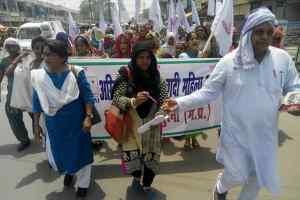 महिलाओं ने तोड़ा सन्नाटा : मुरैना में रैली निकाल कर दलित उत्पीड़न रोकने की मांग
